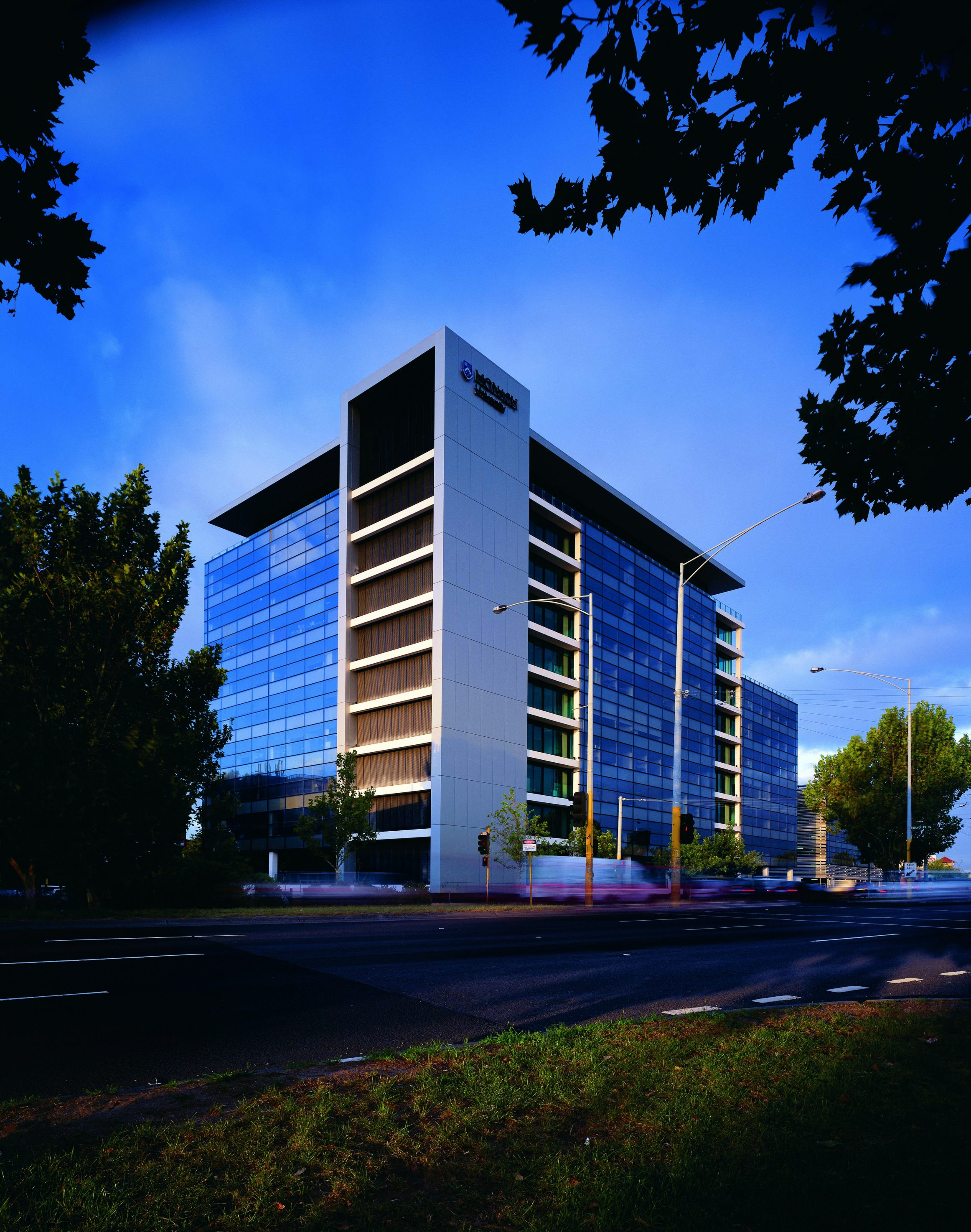 monash university caulfield external facade view