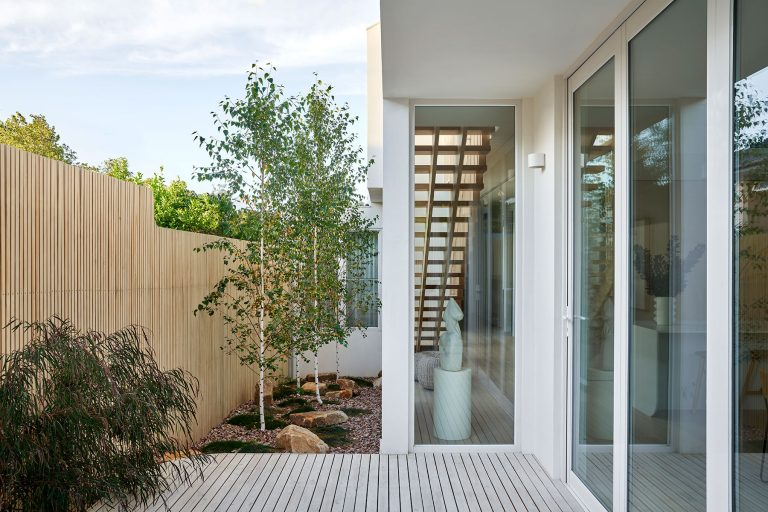 ck architects kellet street house exterior rear courtyard image
