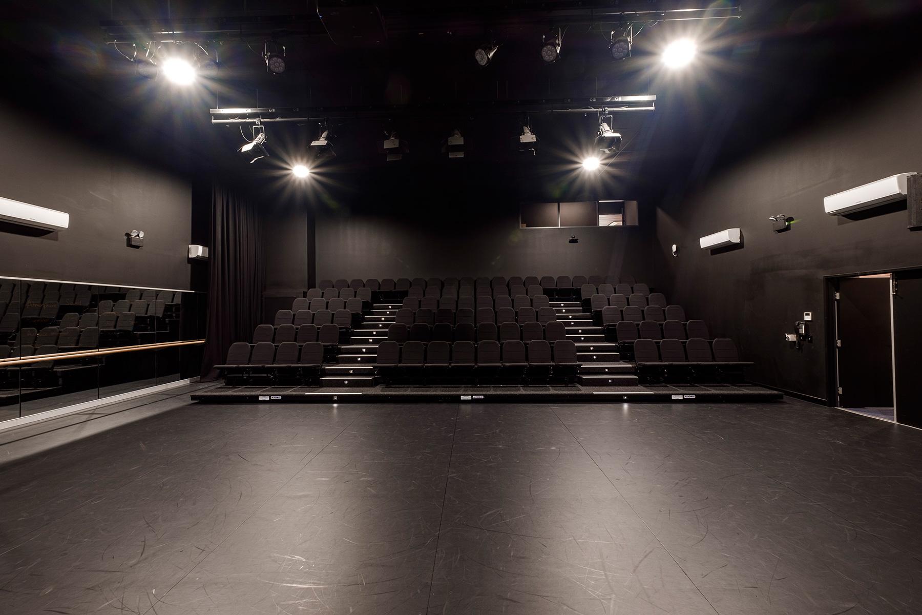 ck architects st leos college drama performance room