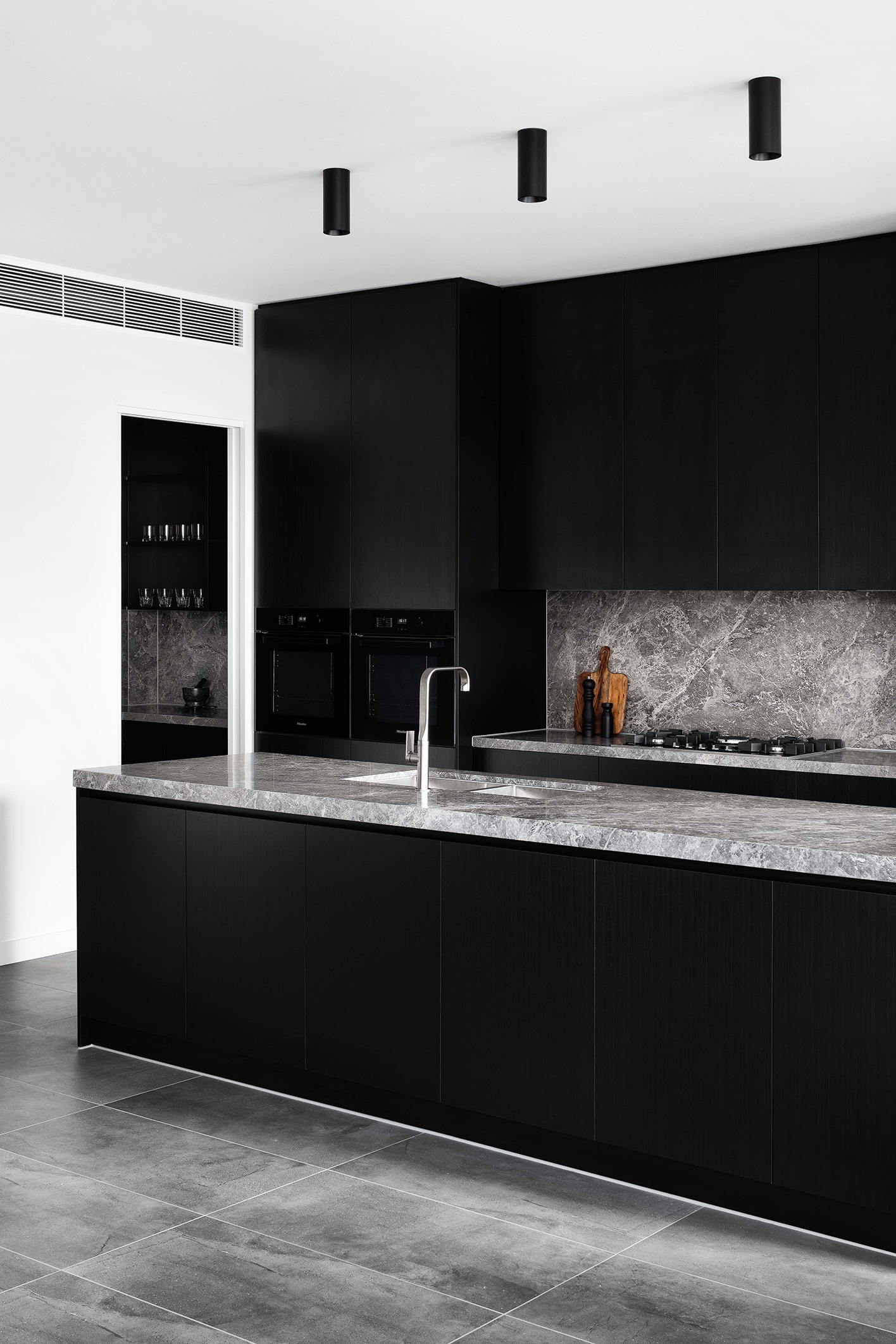 c.kairouz.architects-thornbury-townhouses-interior-kitchen-angle