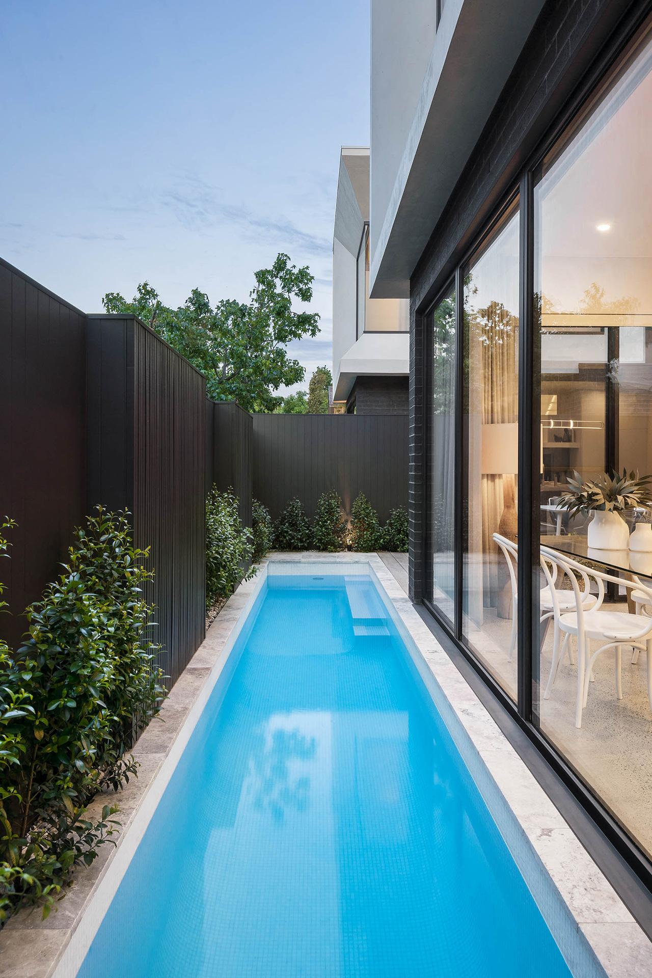 rear-terrace-pool-elwood-dual-townhouse-development-ckairouz-architects2