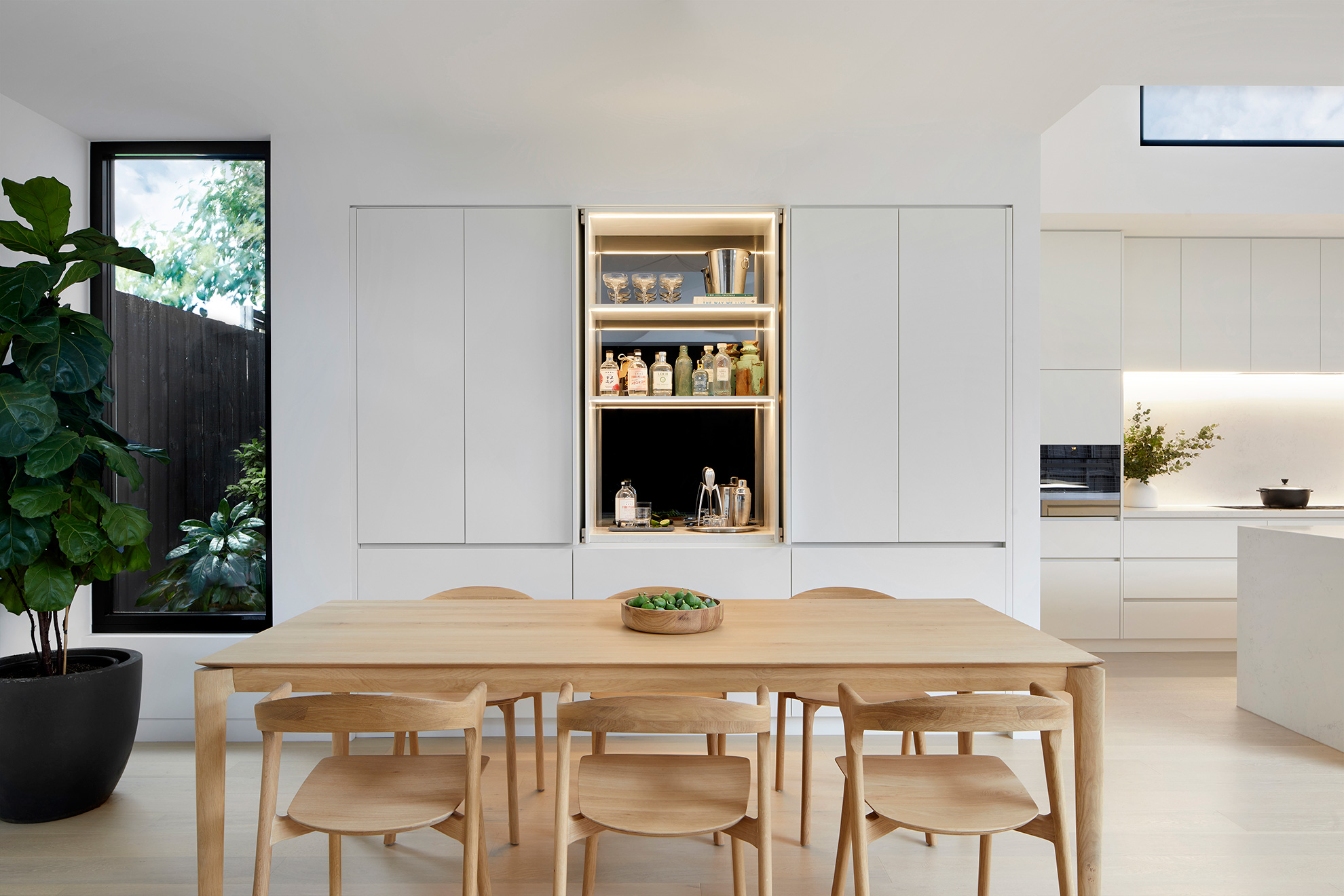 u-house-thornbury-dining-room-ckarch-low-res