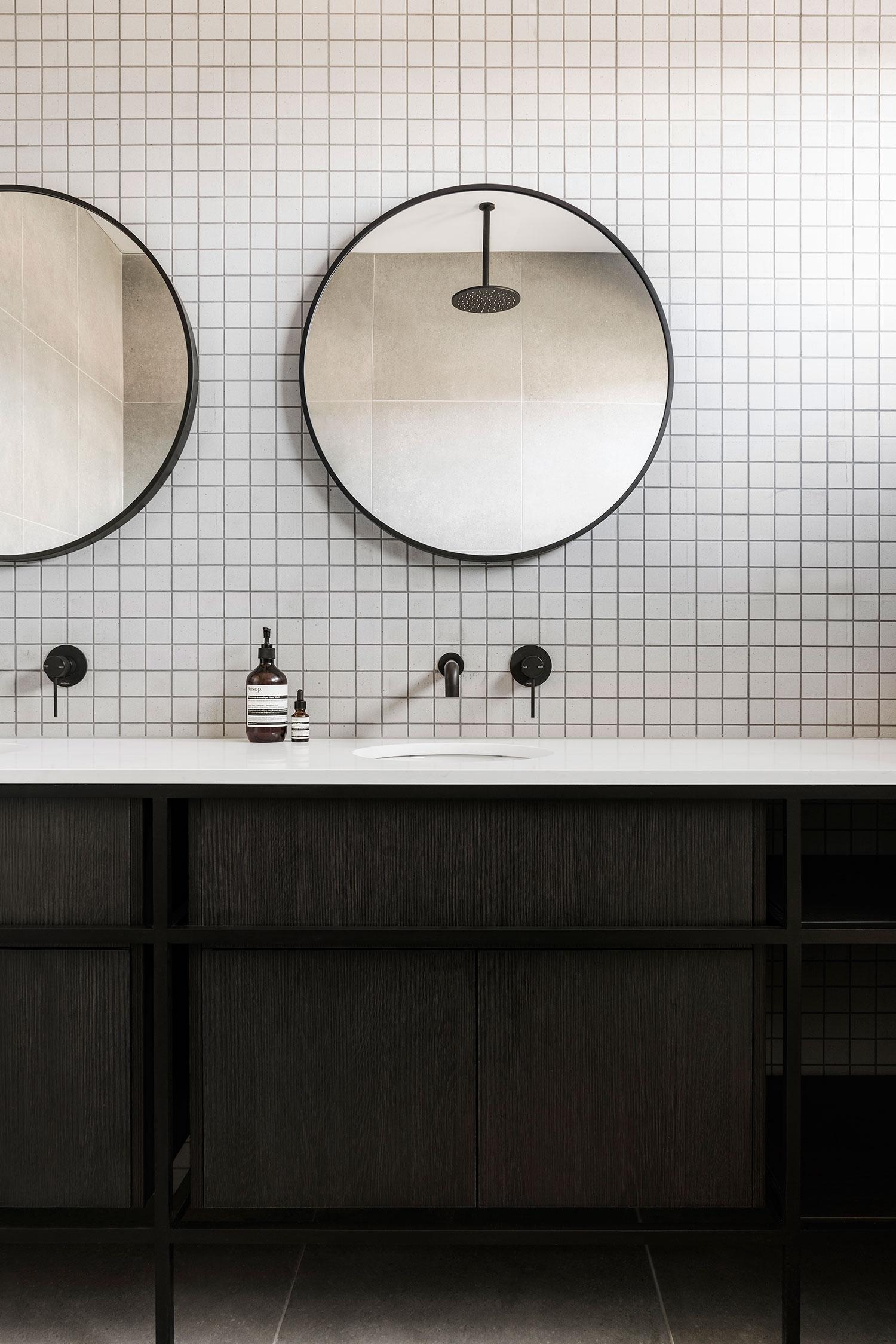 osborne-townhouse-interior-design-bathroom-vanity-close-up-ckariouz-architects3