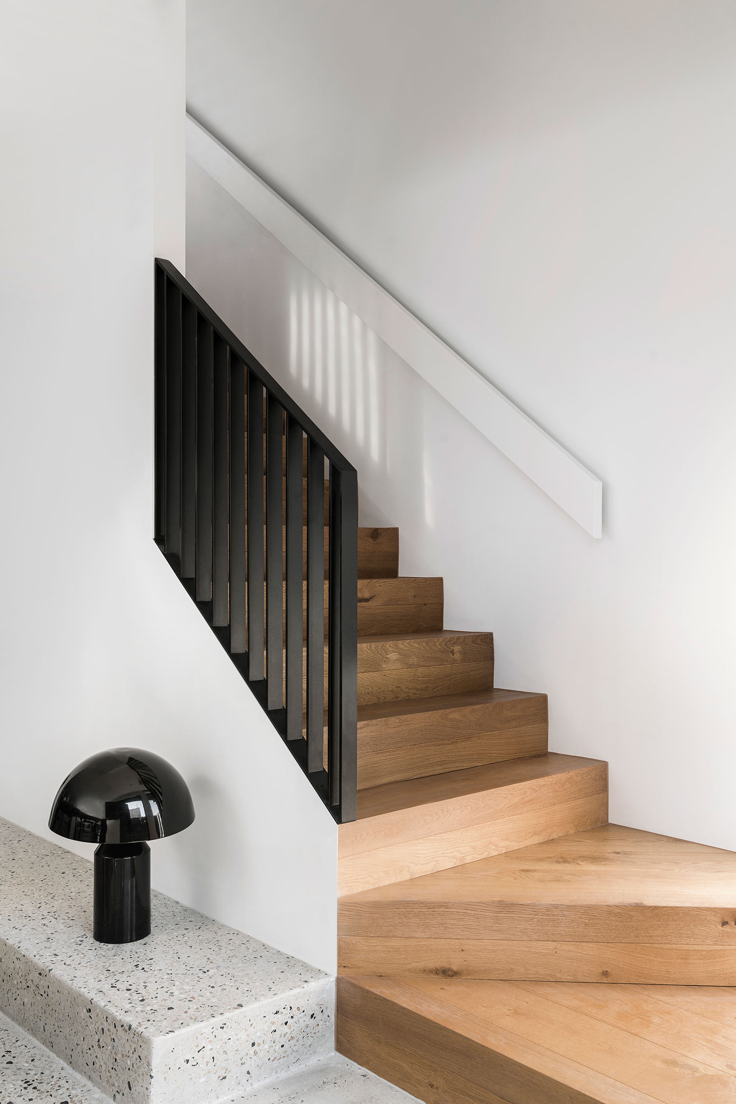 osborne-townhouse-interior-design-staircase-ckariouz-architects3