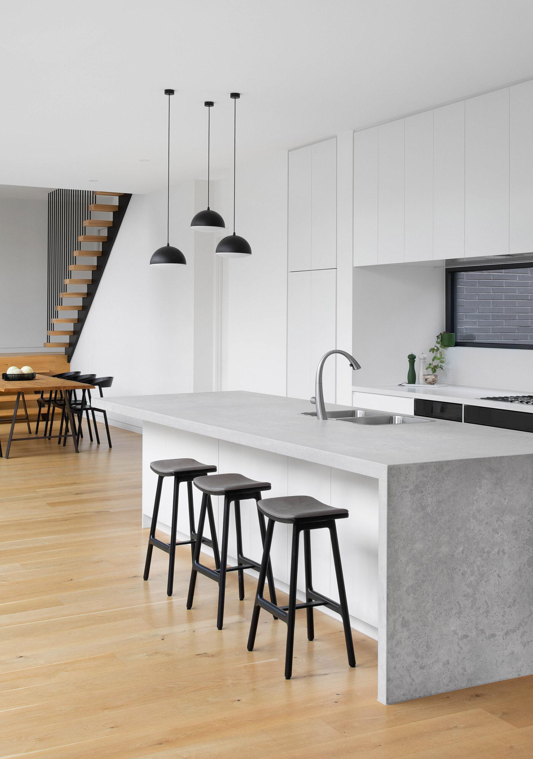 northcote-house-interior-design-kitchen-entryway-portrait-ckairouz-architects